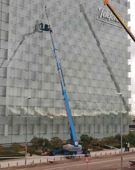 Plate-forme télescopique Genie SX180 57M hauteur maximale à Madrid